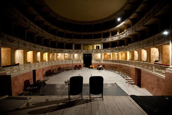 il-teatro-rossi-aperto-di-pisa-nuove-interfer-L-bDaJtO