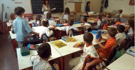 """La maestra si accorge di qualcosa: """"Uscite subito tutti dall'aula!"""". Ecco cosa succede dopo – FOTO"""