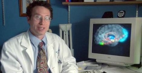 """""""Chi prega guarisce prima, ho le prove scientifiche"""". Lo scienziato Andrew Newberg illustra i suoi esperimenti"""
